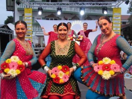 Bollywood-Dance-Group-in-Germany-e1494532655808