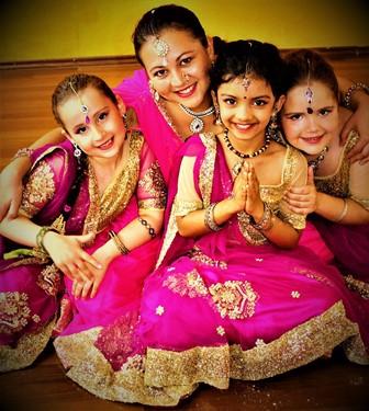 Tanzschule für kinder in Rosenheim, Indische Tanzgruppe